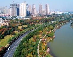 西安市浐灞生态区浐河河堤路